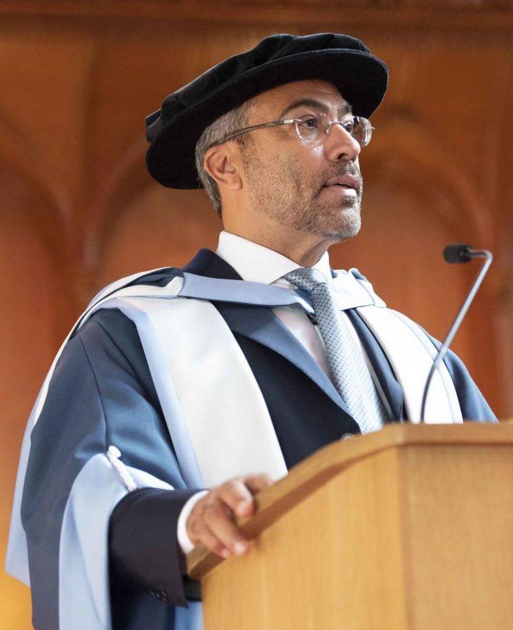 معهد لندن للأعمال المصرفية والماليةيمنح أحمد علي الصايغ شهادة ماجستير فخرية
